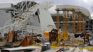 Zwei Todesopfer bei Unglück in WM-Stadion