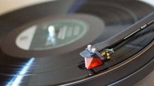 Über analoge Tonträger und analoge Menschen