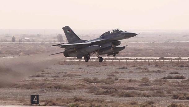 Jordanische Jets bombardieren IS