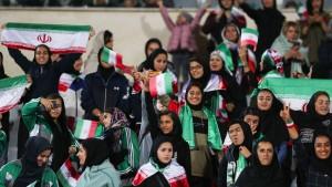 Iran genehmigt Fußballtickets für Frauen