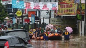 Überschwemmungen fordern mindestens 23 Todesopfer