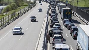 """Schweiz verlangt Haft für deutschen """"Gotthard-Raser"""""""