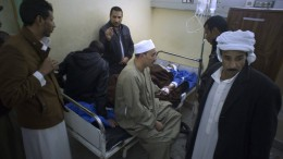 Ägyptische Luftwaffe bombardiert Terroristen-Verstecke