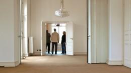Heimlich bei der Wohnungsbesichtigung dem Makler mehr bieten