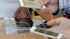 Apple-Gewinn sinkt abermals