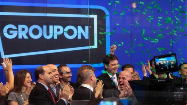 Groupon schafft Kurssprung zum Börsenstart