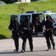 Tagelang hatte die Polizei, darunter auch Spezialeinheiten, nach dem flüchtigen Räuber im Wald gesucht.