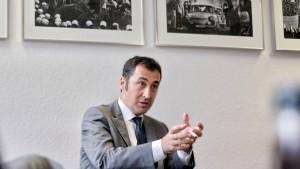 Özdemir fordert Transparenz von Gülen-Bewegung