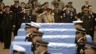Zuletzt wurden 2007 die Überreste von sechs im Korea-Krieg getöteten Soldaten aus Nordkorea an die Vereinigten Staaten übergeben.