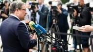 Laschet verteidigt Merkels Flüchtlingskurs