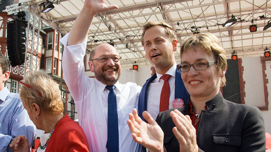 Schulz und Strank grüßen das Wahlvolk