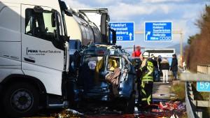 Mehrere Tote bei Unfall auf der A5