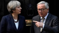 Not an easy talk: Theresa May and Jean-Claude Juncker at 10 Downing Street