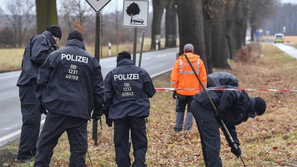 Verdächtiger gesteht, Polizisten und Oma getötet zu haben