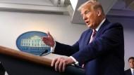 Trump gibt vergangenen Sonntag eine Pressekonferenz im Weißen Haus.