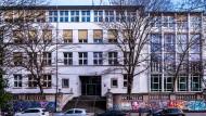 Eingang der Helmholtzschule in Frankfurt