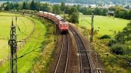 Verdoppelt: Zwischen Hanau und Gelnhausen sollen neben der bestehenden Strecke zwei zusätzliche Gleise gebaut werden.