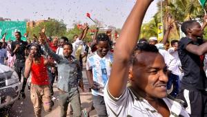 Militär übernimmt offenbar Macht in Sudan