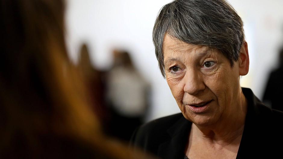 Hendricks lobt Ergebnisse, Greenpeace rügt Merkel
