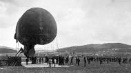 Ein Fesselballon der Schweizer Armee im Ersten Weltkrieg. Während des Krieges wahrte das Land seine Unabhängigkeit, bewaffnete sich aber trotzdem - vorsichtshalber.
