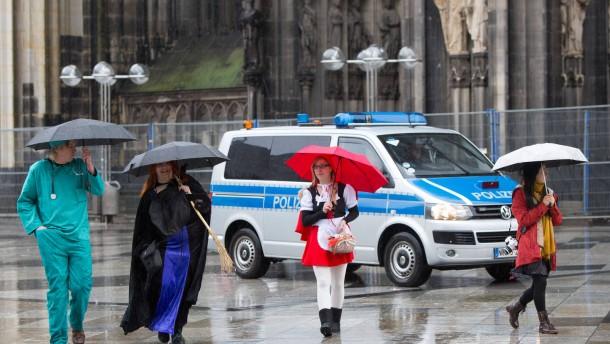 Mehr Polizeieinsätze im Karneval, mehr Anzeigen wegen Sexualdelikten