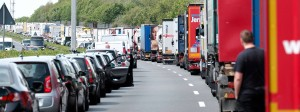 Rettungsgasse: Nicht immer kommen die Einsatzkräfte auf Autobahnen schnellstmöglich zum Unfallort.