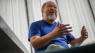 Ai Weiwei beim Gespräch in Berlin