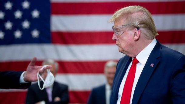 Ein Präsident trägt keine Maske