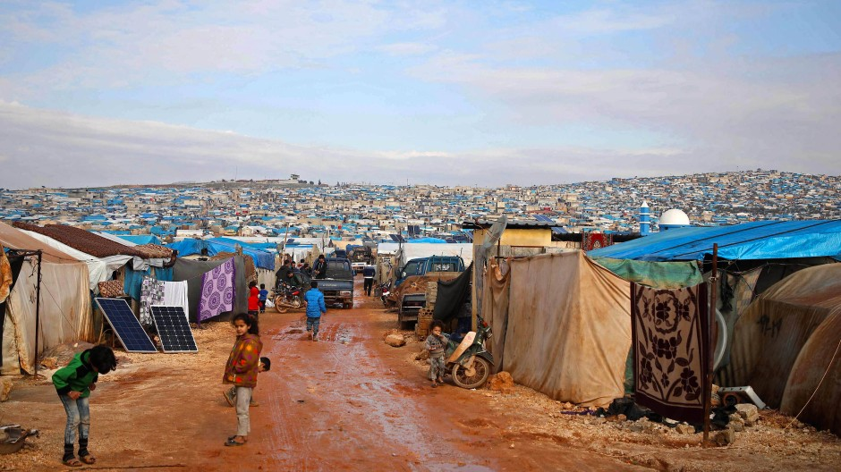 Unwetter und Machtkämpfe setzen den Menschen zu: Ein Flüchtlingslager nahe dem Ort Atme in der syrischen Provinz Idlib