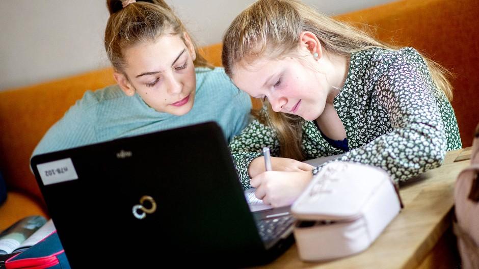 Homeschooling am Esstisch: Wohnzimmer in Oldenburg (Symbolbild)
