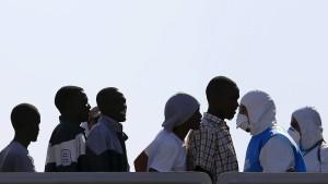 Schulz verlangt mehr legale Möglichkeiten zur Einwanderung