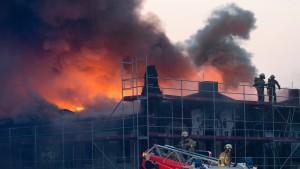 Ein Toter und mehrere Verletzte nach Bränden in Berlin