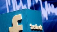 Das Facebook-Logo, 3D-gedruckt.