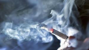 Schweden schränkt öffentliches Rauchen massiv ein
