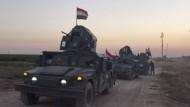 Irakische Soldaten dringen am Montag nach Angaben des Staatsfernsehens in das von kurdischen Peschmerga-Einheiten kontrollierte Gebiet der Provinz Kirkuk vor.