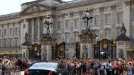 Auf dem Weg zu Königin Elisabeth II.: Der Buckingham Palace in London