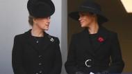 Herzogin Sophie und Herzogin Meghan bei einem Gottesdienst in London im November 2019