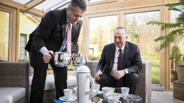 Özdemir hätte Cavusoglu keinen Tee serviert