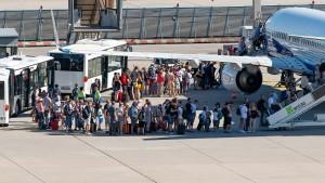 Klimadebatte hält Deutschland nicht vom Fliegen ab