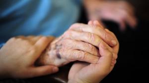 Pflegekräfte führen CDU-Politiker auf Twitter vor