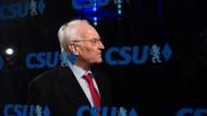 Der ehemalige bayerische Ministerpräsident Edmund Stoiber (CSU) kommt im letzten November zu einer Vorstandssitzung in die CSU-Landesleitung in München (Bayern).