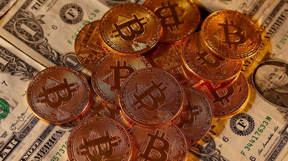 Ein Bitcoin kostet wieder 15000 Dollar - so viel wie seit Anfang 2018 nicht mehr.