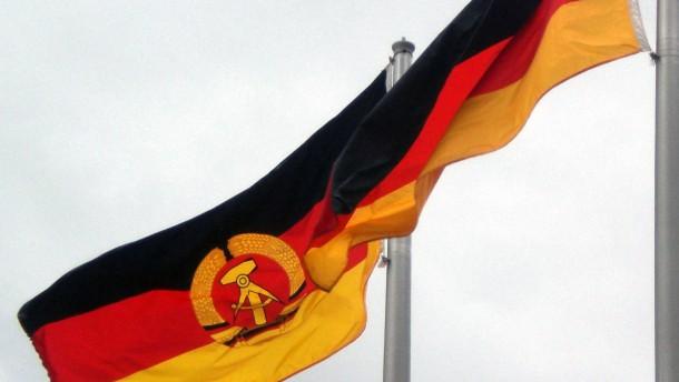 Noch deutsch-deutsche Beflaggung in Montreal
