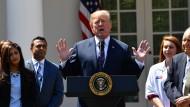 Unberechenbarkeit als Eckpfeiler der Außenpolitik: Trump am Donnerstag im Garten des Weißes Hauses