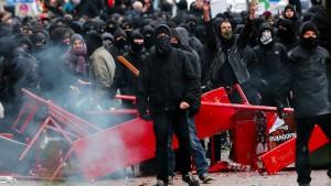 Maas droht gewalttätigen Gegnern harte Strafen an