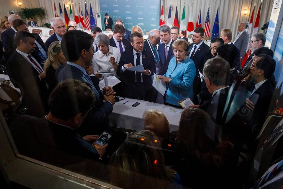 Oder war doch Macron der Wortführer? Trump lauscht rechts unten.