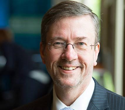 Unser Autor Daniel S. Hamilton ist Richard von Weizsäcker Fellow an der Robert Bosch Akademie in Berlin und lehrt an der Johns Hopkins Universität in Washington.