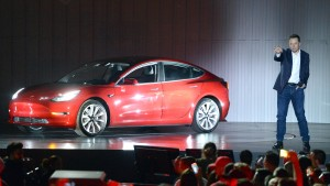 Will irgendjemand Tesla kaufen?
