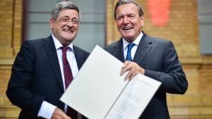 Tichy gibt Vorsitz der Ludwig-Erhard-Stiftung ab