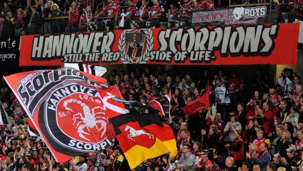 Gute Stimmung war mal: In Hannover haben die Fans keine Lust mehr auf Papenburg und Krinner